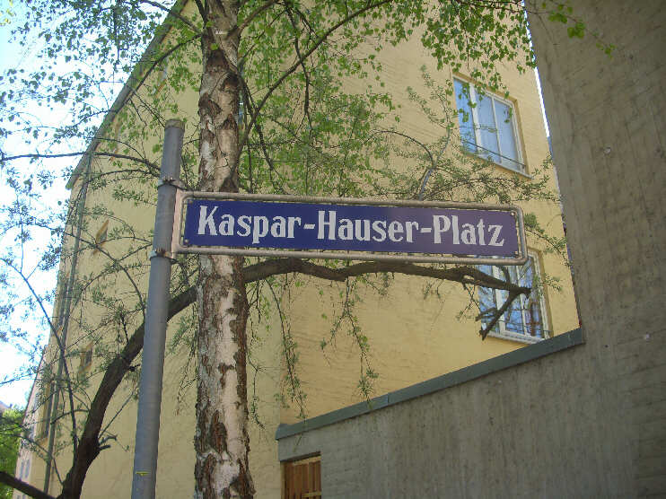 Kaspar-Hauser-Platz (April 2014)
